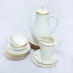 Limoges Vintage coffee pot and Vintage coffee cups